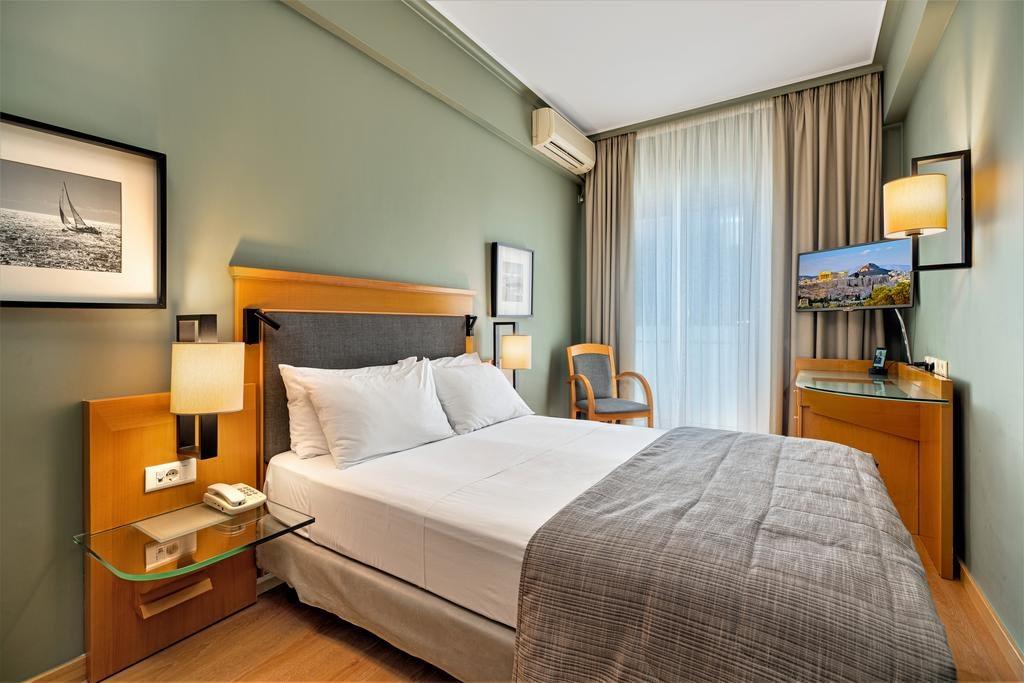 Plaka Hotel Atenas