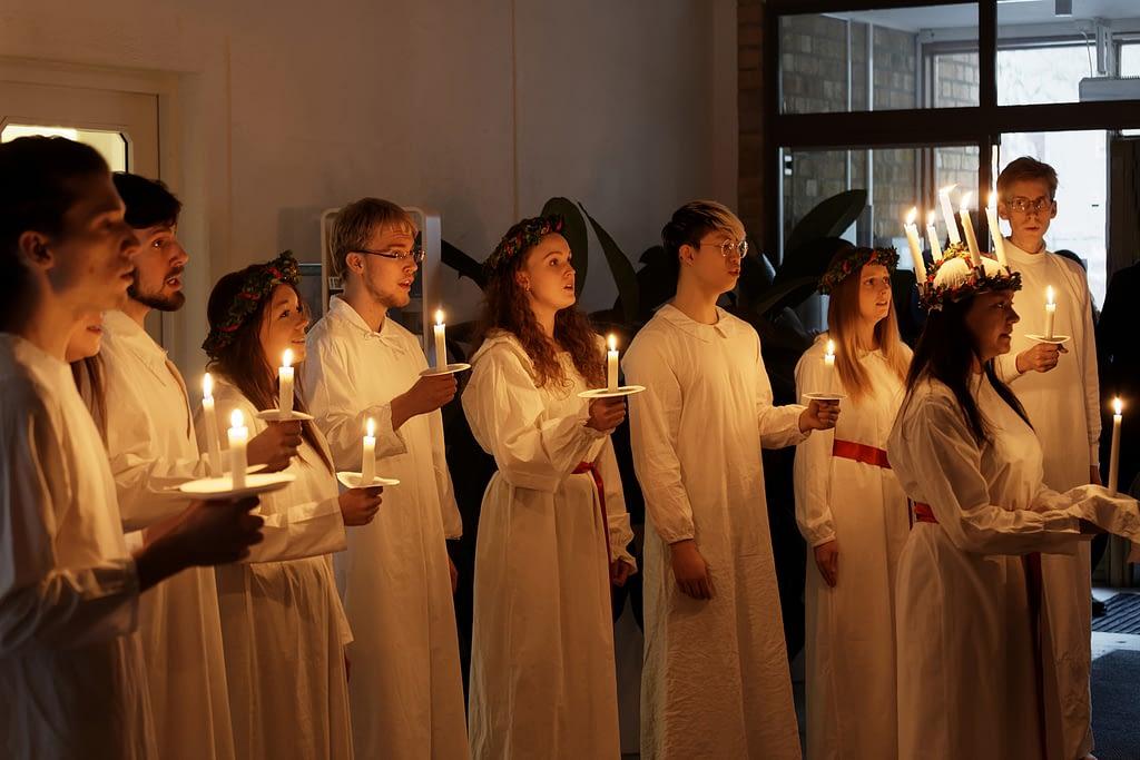santa lucía suecia en navidad