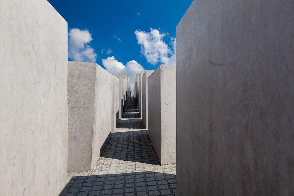Estelas conmemorativas del Holocausto