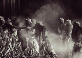 Cuerpo tonificado y movimientos sensuales con danza del vientre: orígenes y beneficios