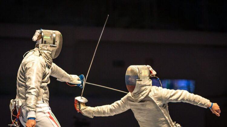 De histórico a olímpico: la evolución de la esgrima, cómo se practica y los beneficios