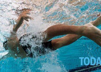 Deportes en la piscina: las reglas del fútbol submarino