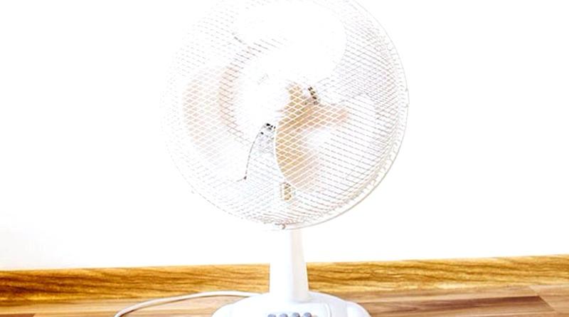 Para refrescar tu habitacion por la noche apunta con el ventilador hacia fuera y no dentro