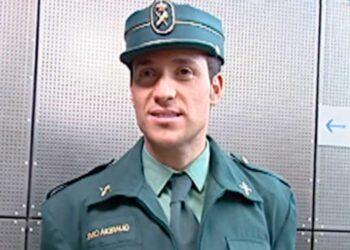 Antonio David Flores vestido con el uniforme de la Guardia Civil