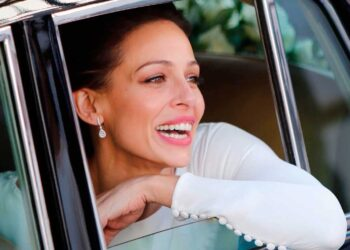 Eva González lució un espectacular vestido de novia