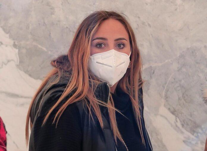 Así es la espectacular nueva cara de Rocío Flores tras pasar por quirófano